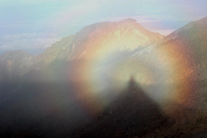 2Brocken_spectres_in_Mount_Ontake