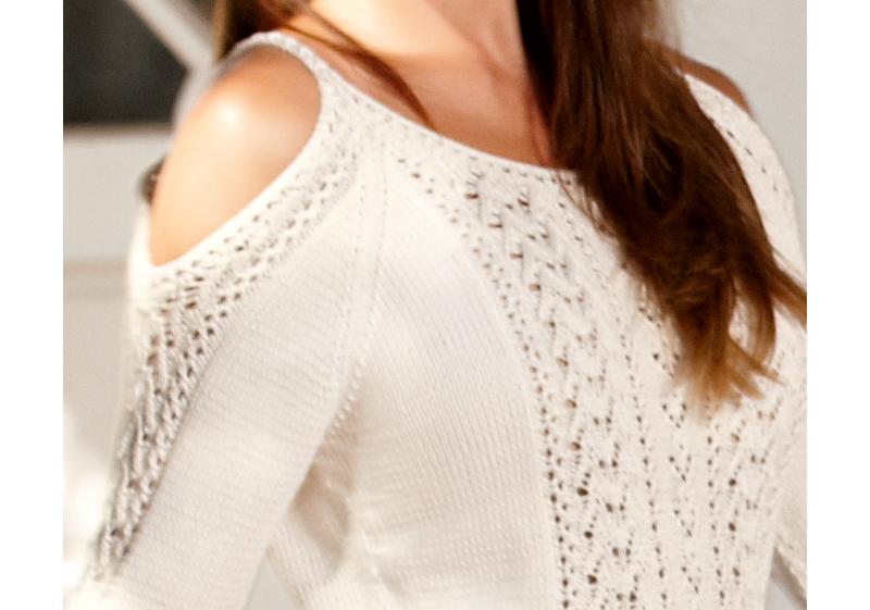 Вязание свитера с открытым плечом