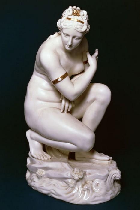 Среди фарфоровых статуэток есть действительно эксклюзивные экземпляры.