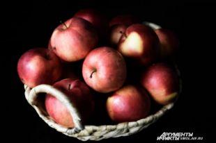 Нужноли очищать яблоки?