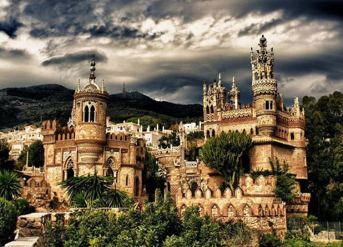 Colomares Castle, Испания.