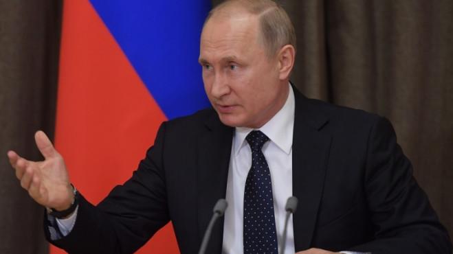 Путин заявил новому правительству, что перед ним стоят архисложные задачи