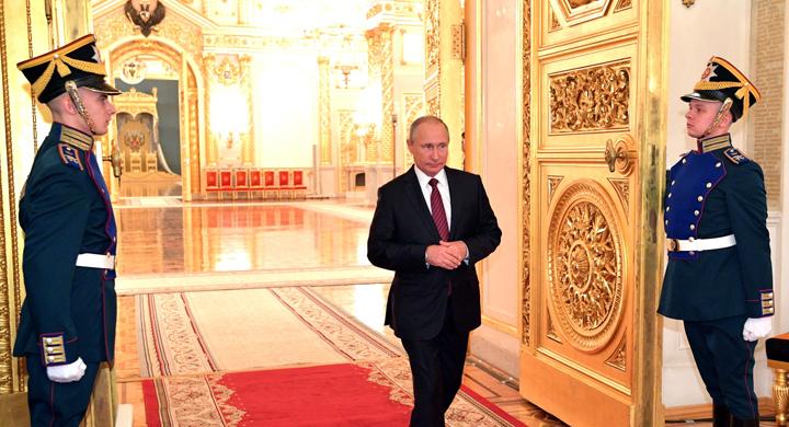 ИноСМИ: зачем России царь, если у неё есть Путин?