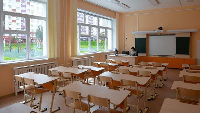 В правительстве обсуждают возможность переноса школьных каникул