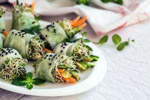 Тартар из кабачков и овощной ролл. Рецепты для последней недели поста