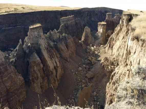 К востоку от Йеллоустонского вулкана в штате Вайоминг начался раскол континента Северная Америка.