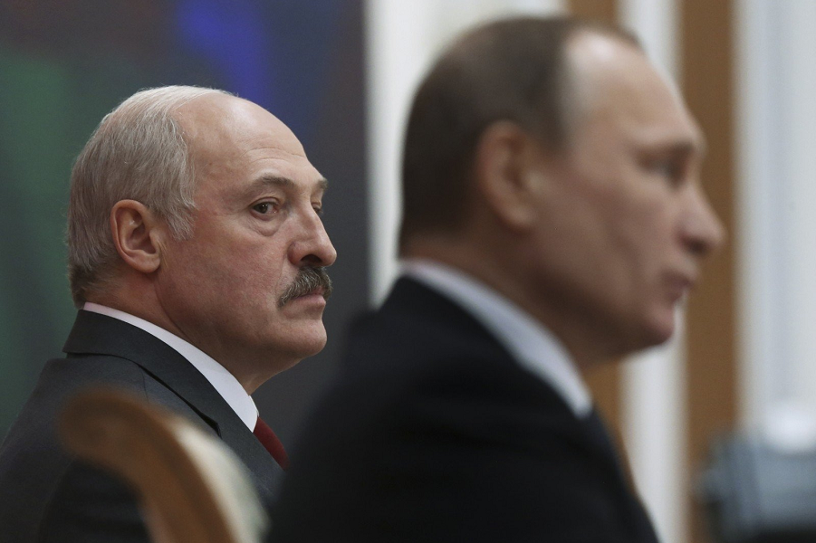 Лукашенко определился в отношении России. Кремлю это вряд ли понравится