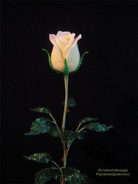 французские розы из бисера