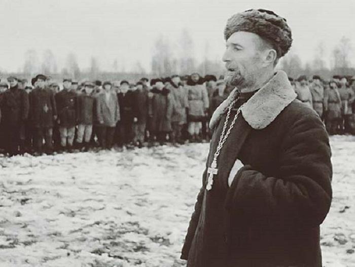 Духовная поддержка, в борьбе с фашистами.