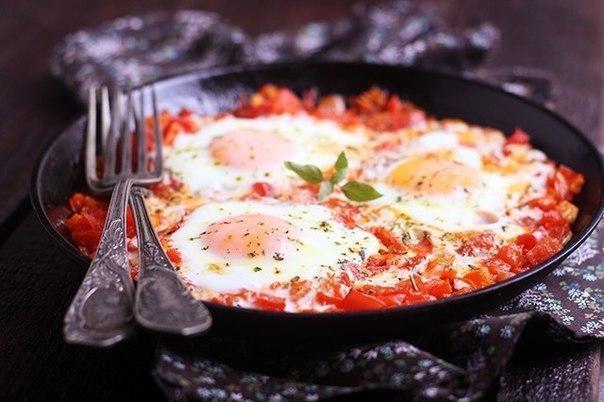 Яркий, ароматный, легкий и в то же время сытный завтрак Шакшуша