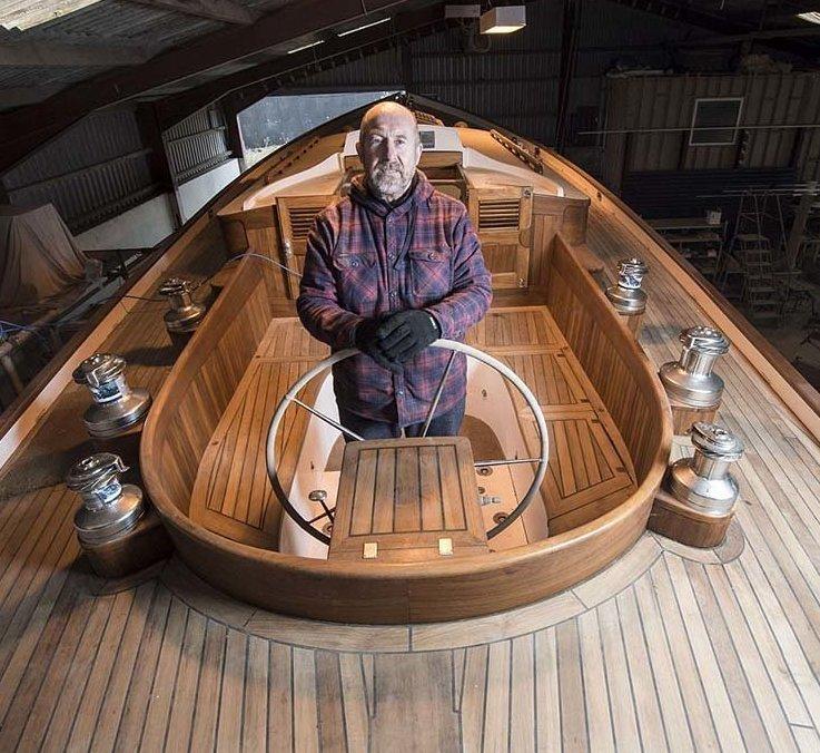 Пенсионер продал всё, чтобы построить яхту своей мечты