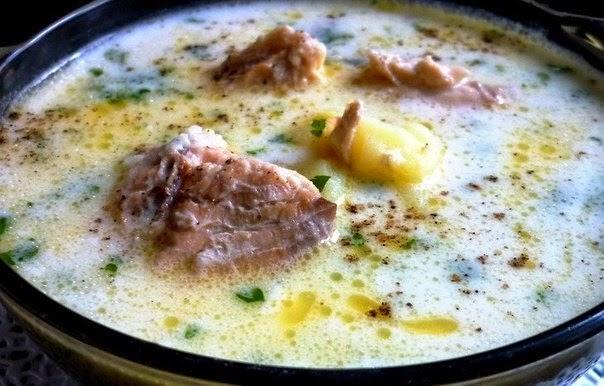 Лёгкий и нежный суп с сырком и рыбной консервой. Ооочень вкусно!