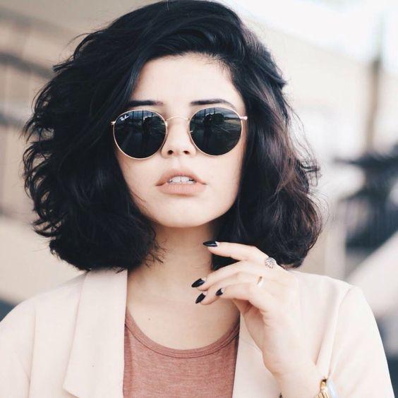 Объемные прически на короткие волосы на каждый день - несколько хитростей