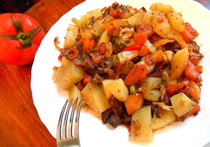 Овощное рагу с кабачками