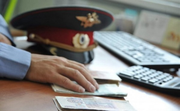 В Крыму полицейского подозре…