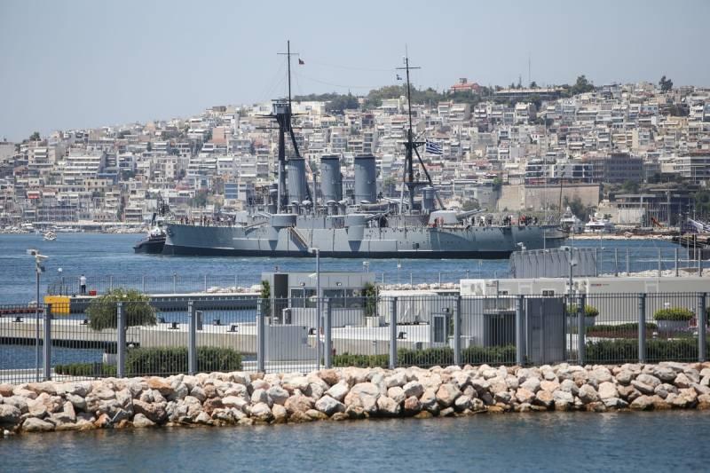 """Броненосный крейсер ВМС Греции """"Георгиос Авероф"""" завершил ремонт"""
