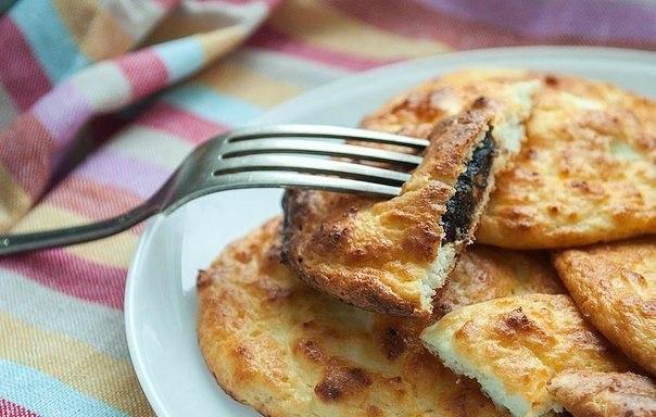 Необычный рецепт: сырники в духовке с черносливом