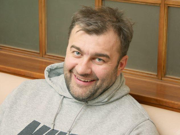 Михаил Пореченков уехал от жены и троих детей