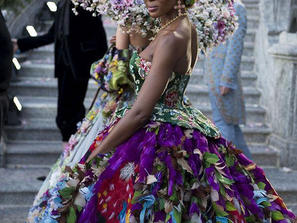Украшения на показе Dolce & Gabbana Alta Moda, озере Комо