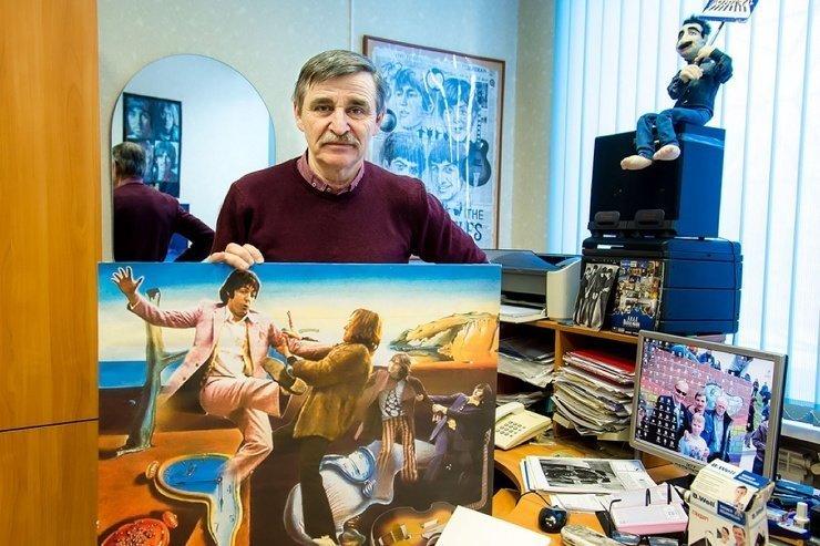 «Собрано с любовью»: челябинский врач придумывает плакаты и игрушки в стиле «Битлз»