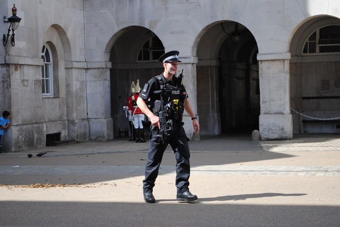 Британские спецслужбы виновны в теракте не меньше смертника