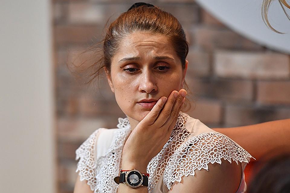Мать сестер Хачатурян, убивших родного отца, - на обвинения в проституции: Какой притон?! Мы в ларьке фруктами торговали