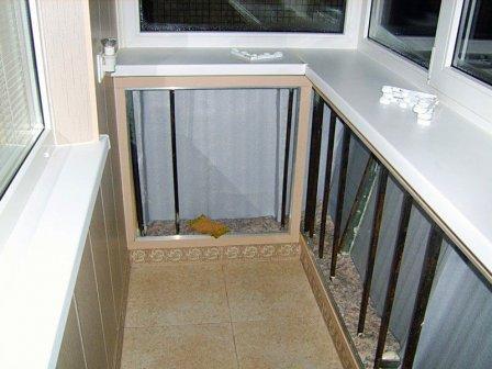 Благоустройство балкона разными способами