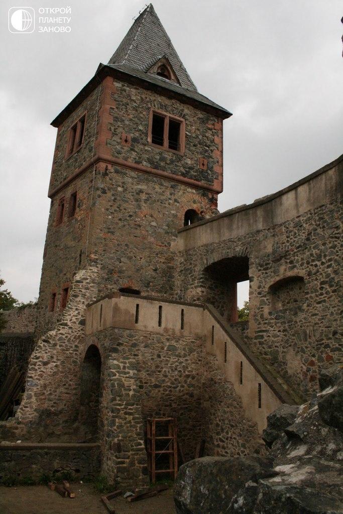 Легендарный замок Франкенштейн
