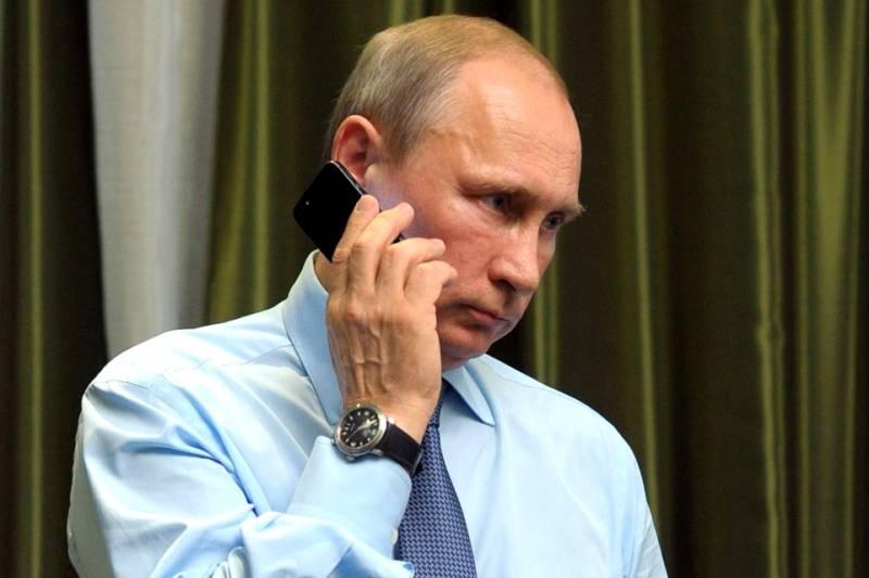 Какими смартфонами пользуются Путин, Трамп и Меркель?