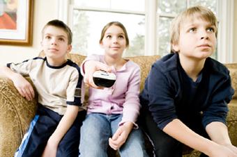 Почему дети смотрят рекламу