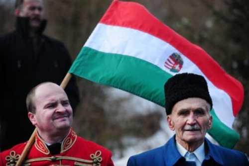 Правительство Венгрии защитит жителей Закарпатья от законов Украины