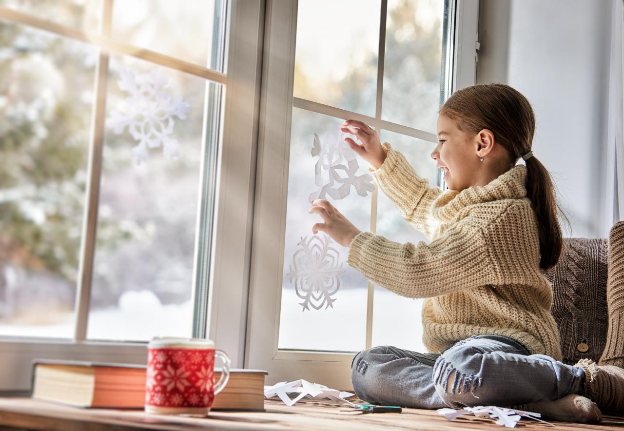 Декор к Новому году: 20 самых ярких шаблонов новогодних снежинок