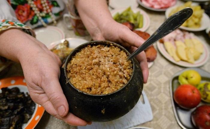 Каша считалась главным блюдом на Руси. / Фото: runaruna.ru