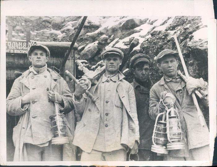 Адский труд в нечеловеческих условиях, 1932 год.