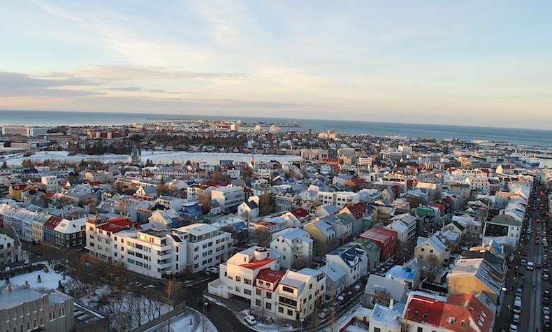 На фото: панорама Рейкьявика интересные факты о стране, исландия, факты