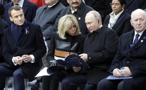 """""""Мифическая изоляция"""": в Совфеде рассказали о мировой радости от появления Путина в Париже"""