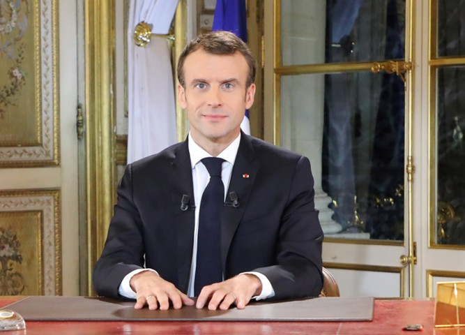 Макрон объявил о введении чрезвычайного положения в экономике и социальной сфере Франции