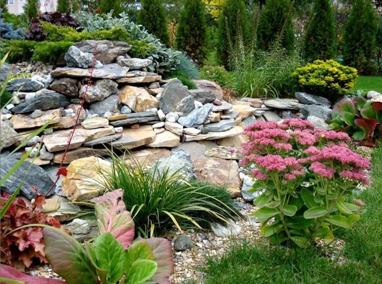 Перед высадкой растений внимательно изучите условия их выращивания