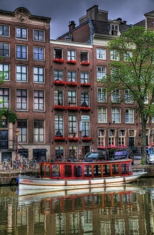 Амстердам - прекрасный город с уникальной историей и свободными нравами