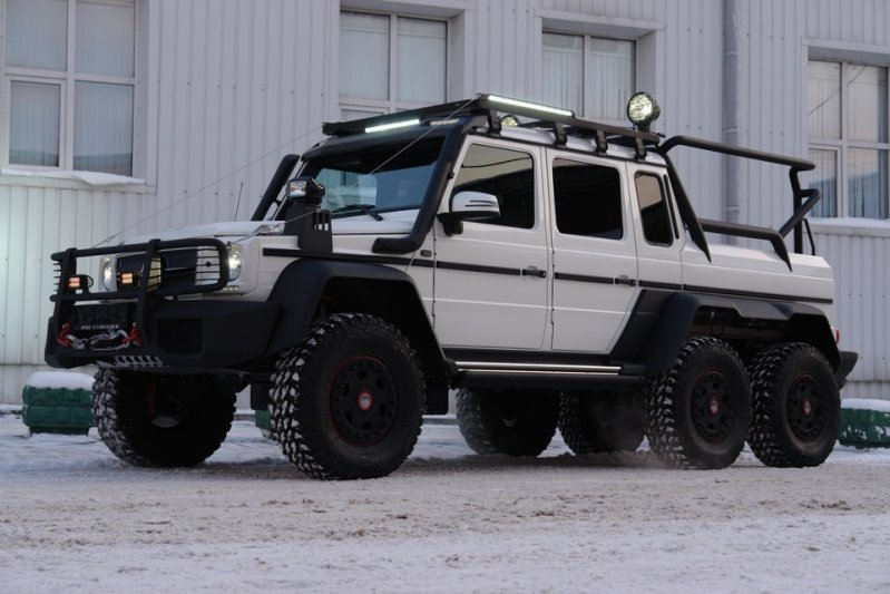 Пятый автомобиль, прошедший внедорожный апгрейд в одном из ателье находится в Москве. 6x6, amg, g63, gelandewagen, mercedes-benz
