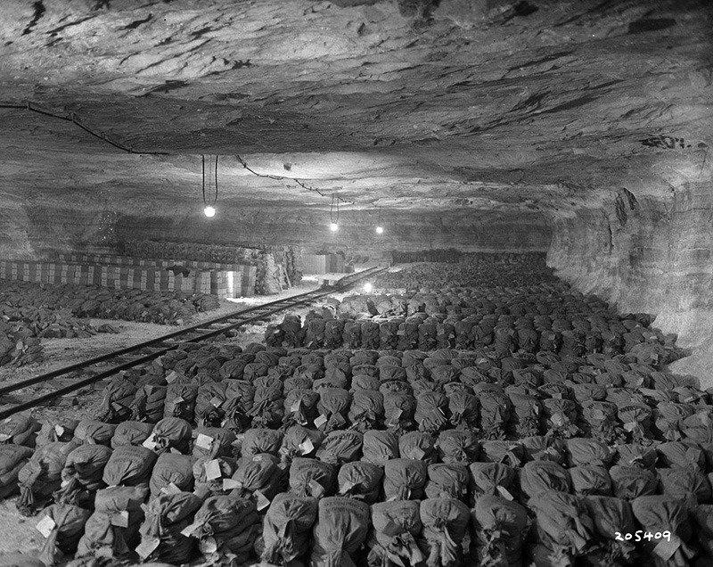 Соляная шахта с золотом, награбленным нацистами. 1945 г. история, люди, мир, фото
