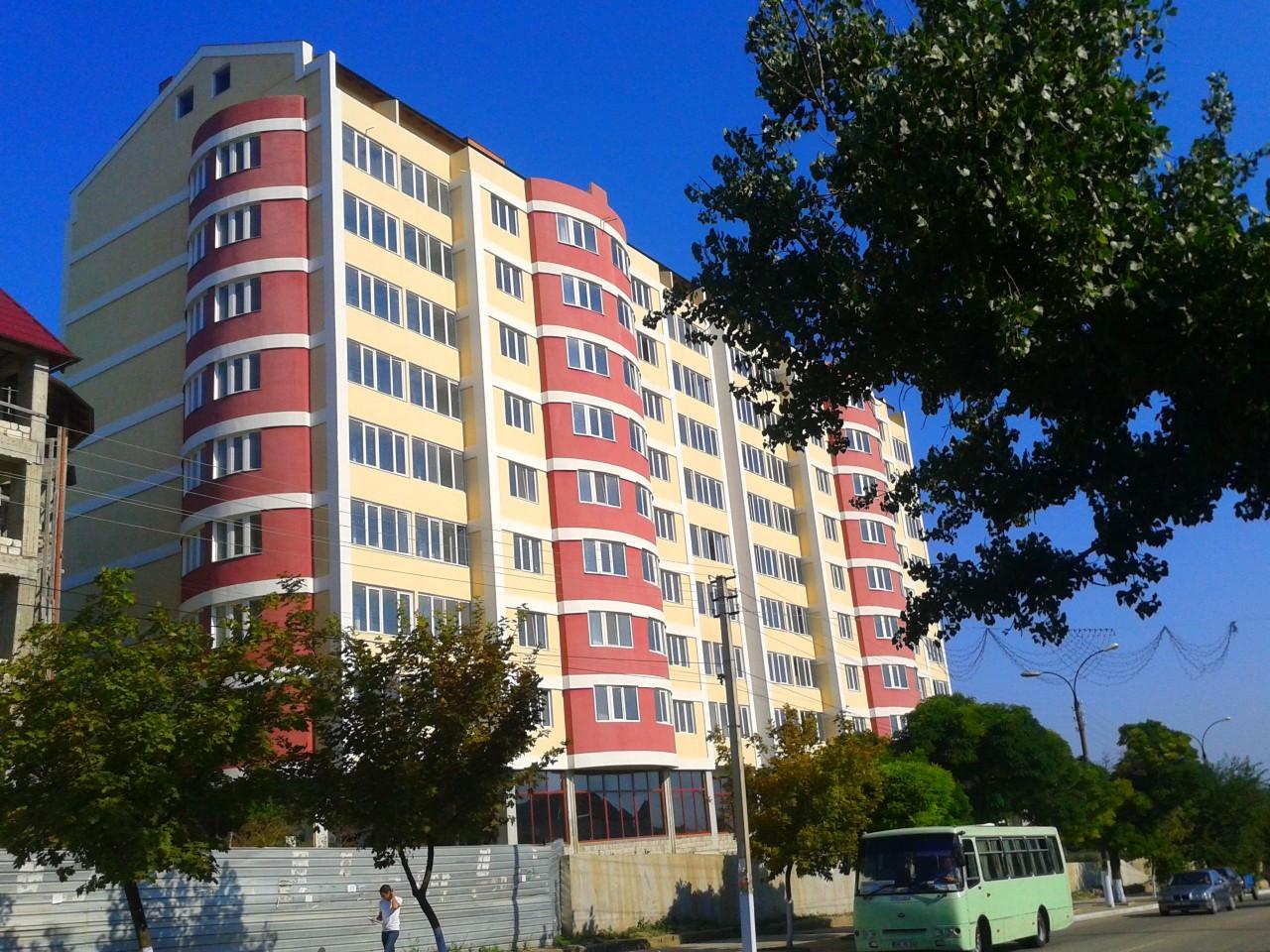 В Самаре 16-летняя девушка выпала из окна десятого этажа