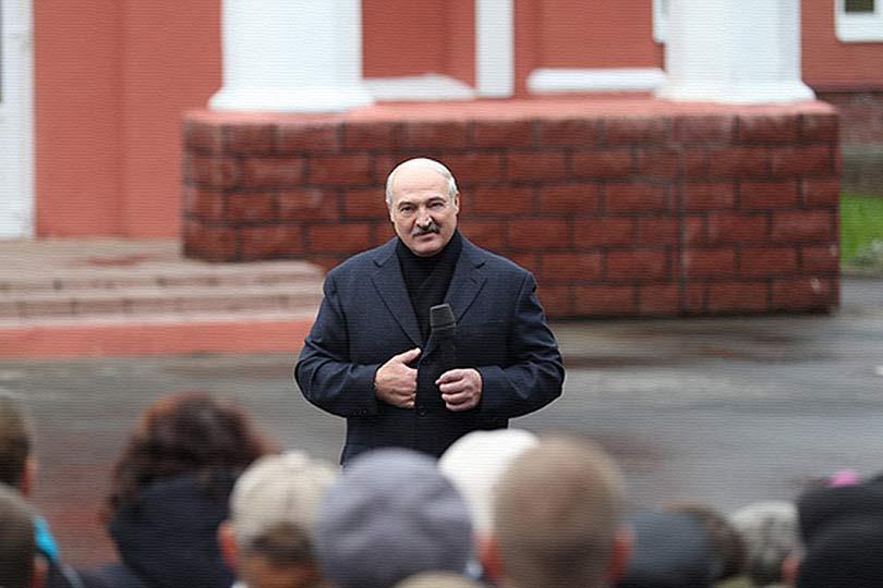 Лукашенко был вынужден отреа…