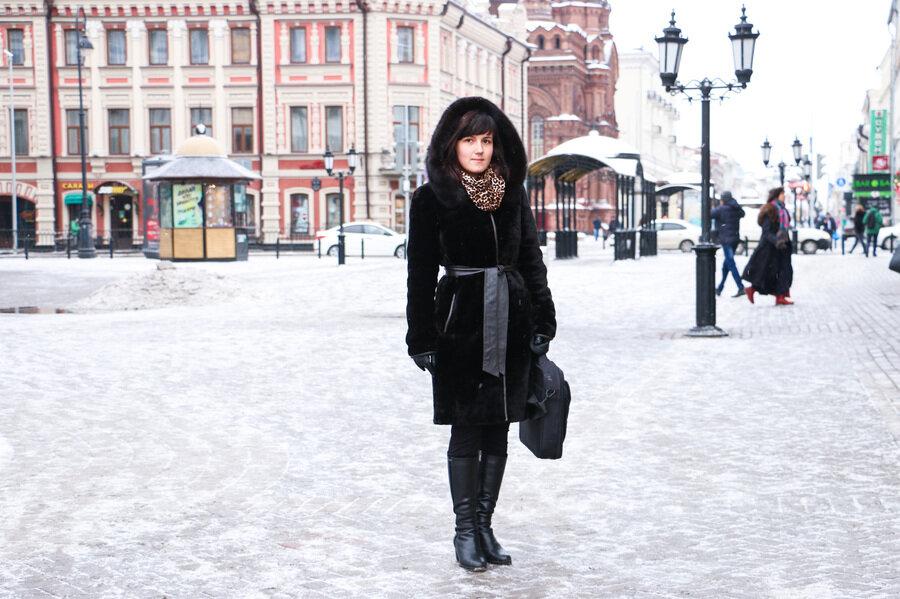 Привлекательная женщина в шубе. /Фото: 7kazan.prokazan.ru