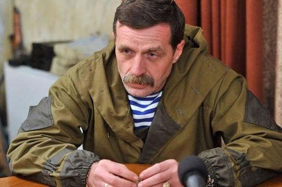 Игорь Безлер долго молчал слушая бредни Стрелкова... не выдержал... как то захотелось высказаться