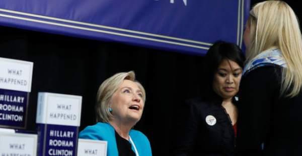На презентации мемуаров Клинтон задали вопрос об убийстве Сета Рича