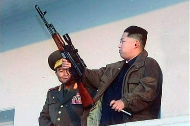 КНДР проведет военный парад за день до начала Олимпиады - СМИ