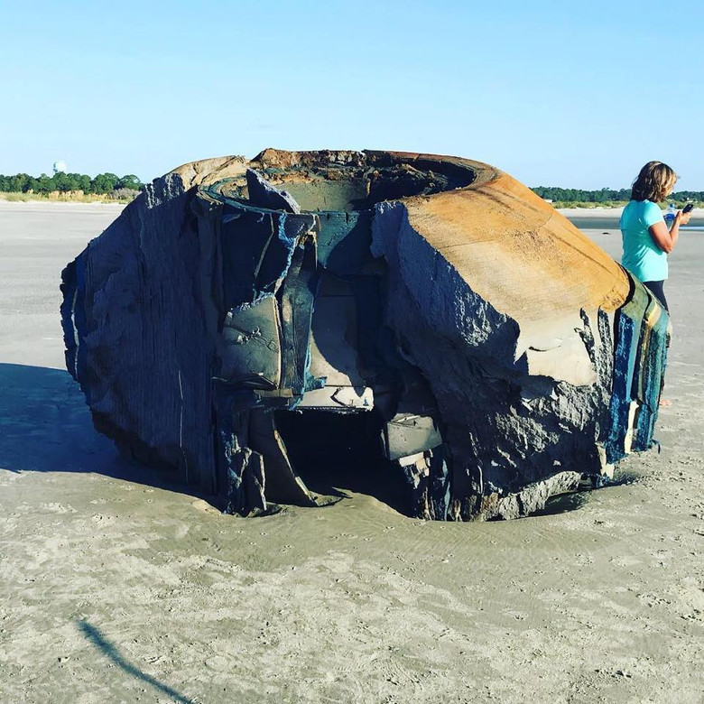 Загадочный объект на берегу Южной Каролины