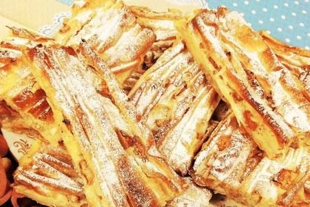 Фото к рецепту: Греческий сладкий пирог  плиссе