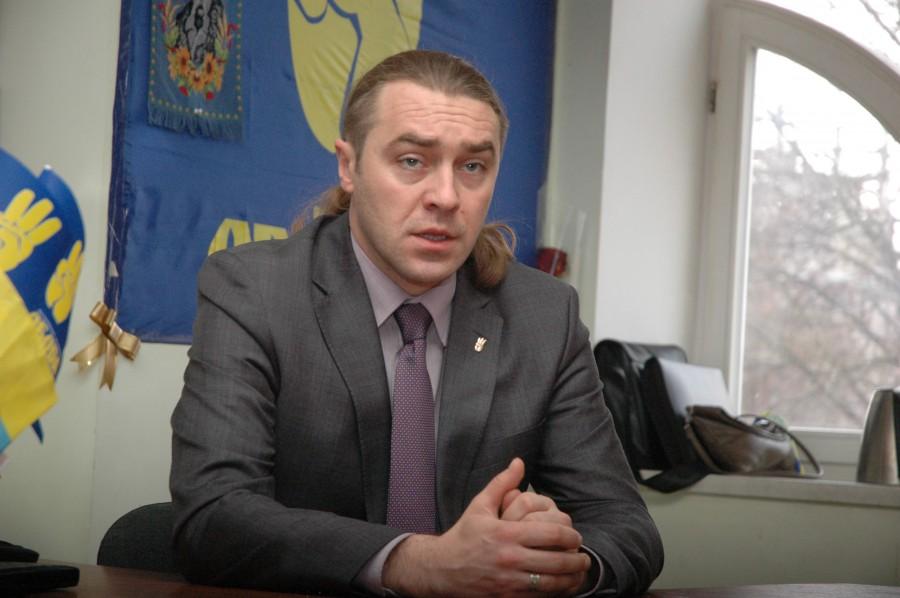 Украинский депутат предложил избивать в школах за русскую речь